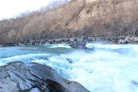 Whitewater Jet Boat by Jetboat Operators Do The Impossible In Lower Niagara Gorge