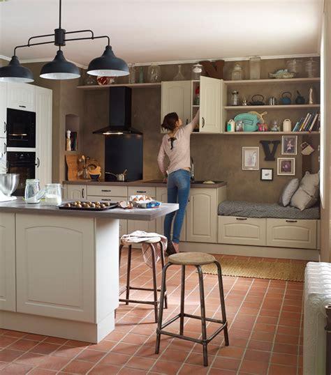 cuisines delinia cuisine en bois un matériau plusieurs styles