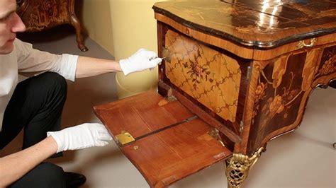 demonstration   roentgens dressing table poudreuse