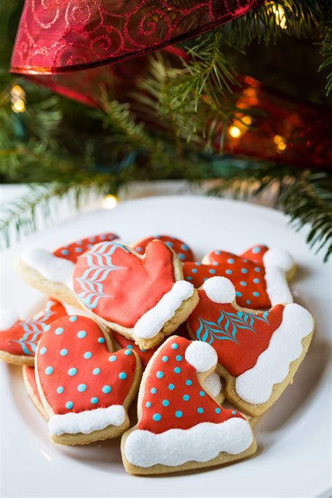 Christmas Cookie Decorating Tutorial For Hat And Mitten