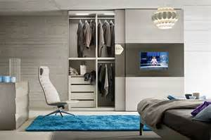 Armadio Camera Con Vano Tv: Vovell bagno colorato moderno. Armadio ...