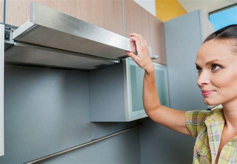 placard de cuisine conforama prix d 39 une hotte de cuisine et coût d 39 installation