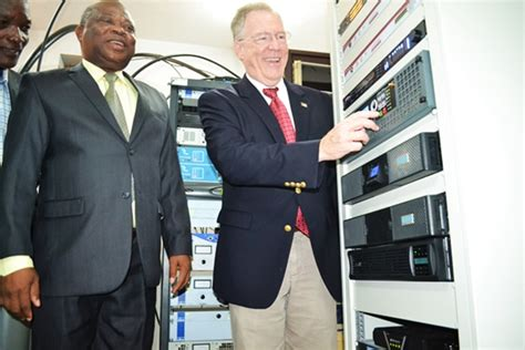 Voa Radio - m 233 dia la radio am 233 ricaine voa d 233 sormais en fm au togo