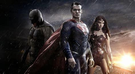 'batman Vs Superman' Comiccon Trailer Still Has Lots Of