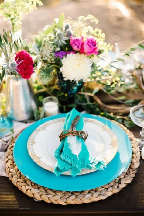 decorate  tables   boho chic wedding