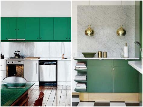 robinet cuisine laiton cuisine verte mur meubles électroménager déco clematc