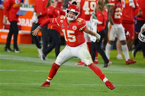 super bowl mahomes catches fire late leads chiefs