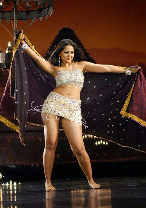 anushka thigh show south indian thighs