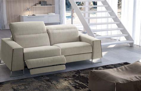 divano e poltrona come abbinare divano poltrona arredamento