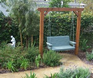 Bench Swing Fire Pit by Great Garden Swing Ideas To Ensure A Gregarious Time For