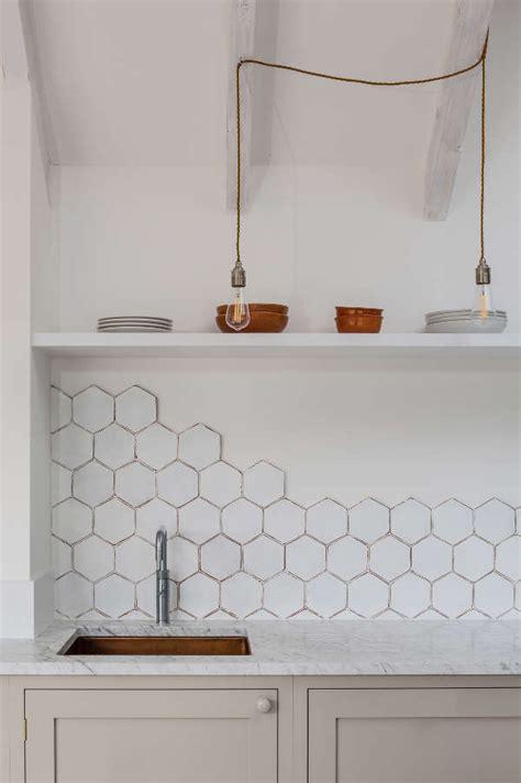 hexagon tile kitchen backsplash white hexagon tile backsplash 4180