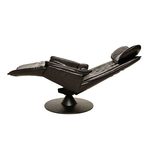 contura zero gravity recliner chair by modi hjellegjerde