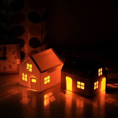 solar powered house light by berylune