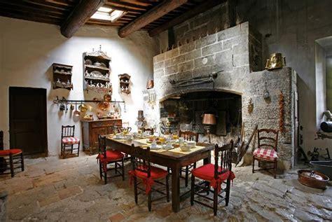 cuisine de chateau le château de la barben avignon et provence