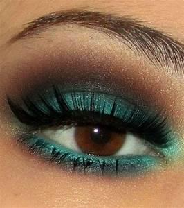 les 25 meilleures idees de la categorie maquillage yeux With liste des couleurs chaudes 15 eyeliner yves rocher