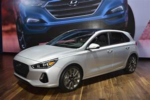 Hyundai Cognac : 2018 hyundai elantra gt is a euro flavored hatch that can be had with a turbo and a manual ~ Gottalentnigeria.com Avis de Voitures