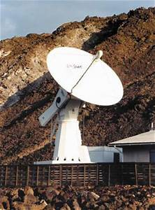 Space in Images - 2001 - 05 - Ground station on Ascension ...