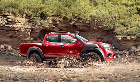 nissan navara  roader  red  fast lane truck