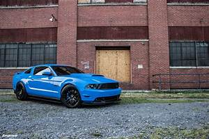 Grabber Blue 5th Gen Ford Mustang - Forgestar F14 Wheels - Matte Black