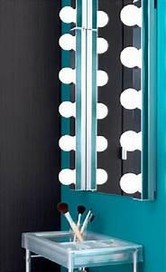 renovation salle de bain en 10 idees deco faciles With carrelage adhesif salle de bain avec lampe led esthétique