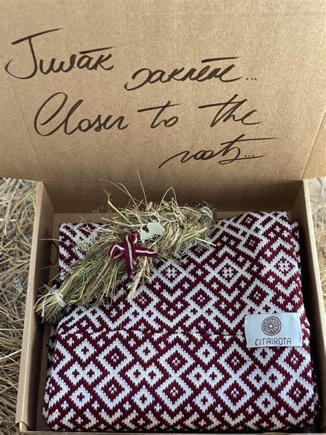 Gift Box: Round scarf full patern lielvardes sash scarf ...