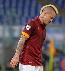 Jeux De Footballeurs : les pires coupes de cheveux des footballeurs ~ Medecine-chirurgie-esthetiques.com Avis de Voitures