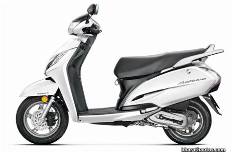auto expo  honda activa   disc brake unveiled