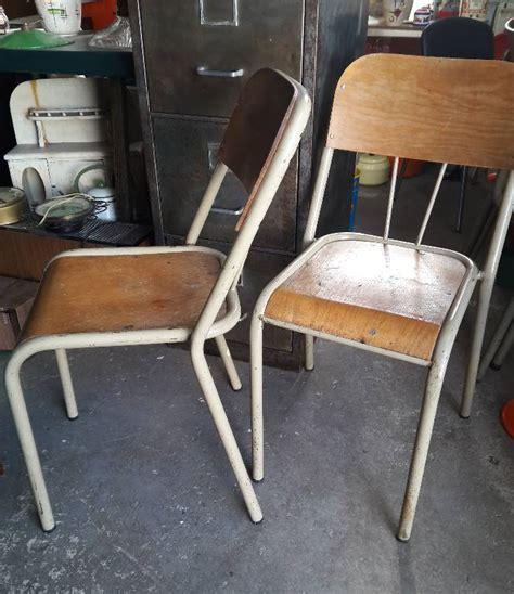 chaises privées chaise d 39 écolier originale en métal beige et bois clair