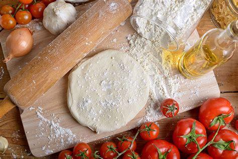 recette de la pate de pizza recette de la p 226 te 224 pizza astuces recettes et rem 232 des de grand m 232 re grands mamans