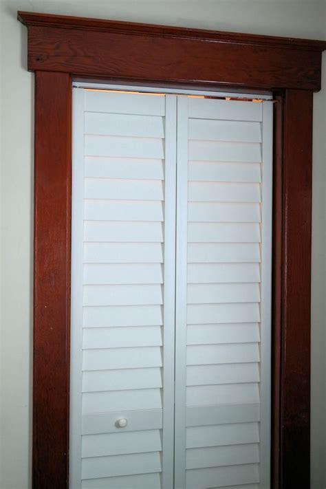 wide closet doors 1000 ideas about mirrored closet doors
