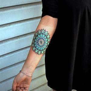Mandala Tattoo Unterarm : 75 best mandala tattoo meanings designs perfect ideas 2019 ~ Frokenaadalensverden.com Haus und Dekorationen