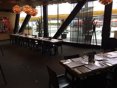 Dining Area Looking Out Onto Coal Harbour And Stanley Park