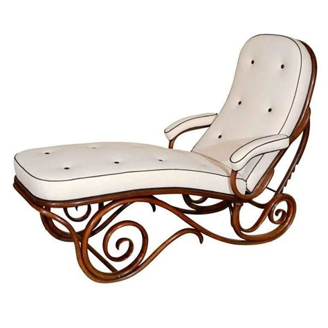 thonet chaise thonet bentwood chaise longue at 1stdibs