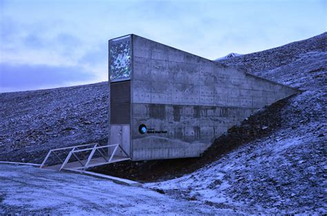 spitsbergen seed vault svalbard global seed vault ωmnibus