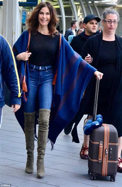 Teri Hatcher arrives in Sydney in thigh high boots | Daily ...