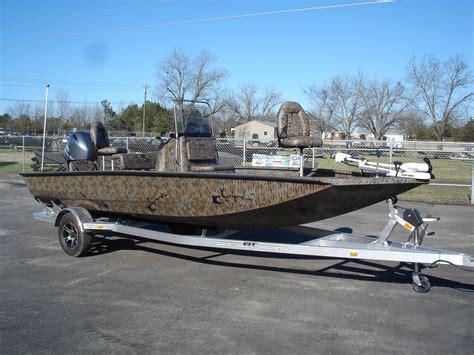 Xpress Boats Nashville by Muddy Bay Xpress H22 Bay Boat Camo
