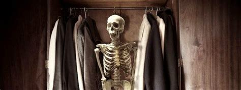 skeleton in the closet episode 210b joyeuse le depart and savant