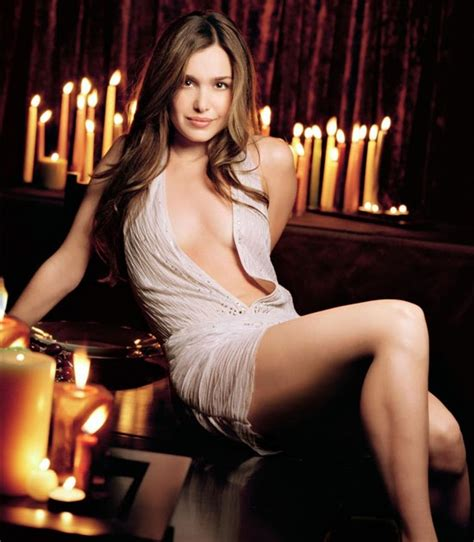 Top Celebrity Xxx Awesome Pictures Of Gina Philips