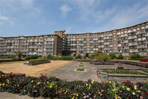 3 bedroom apartment for rent in The Gateway, Dover, CT16