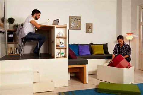 am駭ager un bureau dans un petit espace bureau et rangement dans un petit espace
