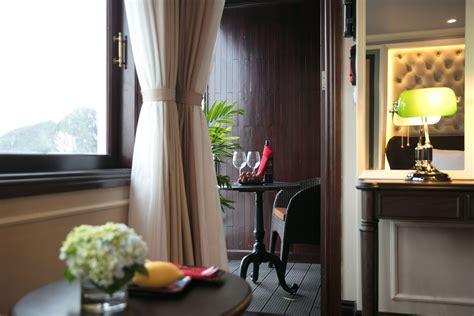 Elegant Suite With Balcony