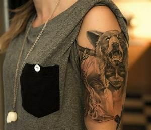 Tribal Tattoo Frau : tattoo oberarm ideen und vorlagen f r frauen und m nner ~ Frokenaadalensverden.com Haus und Dekorationen