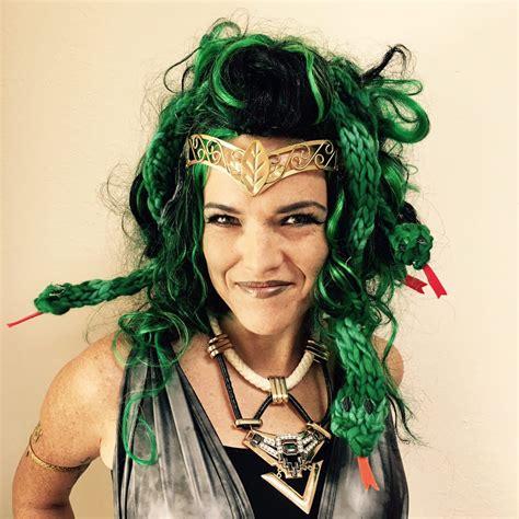 Finger Knit Medusa Snakes - Vickie Howell