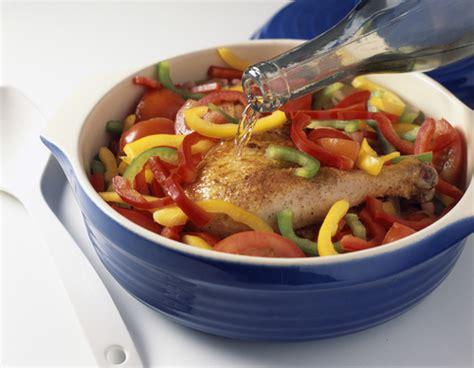 bfmtv cuisine préparation d un poulet basquaise
