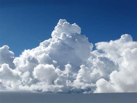 Cumulus clouds building over the Nun Kun plateau : Photos ...