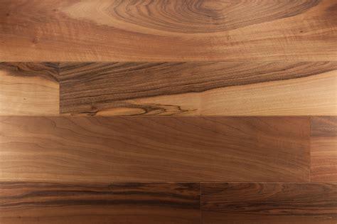 modele cuisine surface parquet noyer massif parquets emois et bois