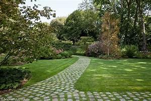 les 25 meilleures idees de la categorie pavage de jardin With superior jardin autour d une piscine 7 amenagement exterieur en beton desactive terrasse
