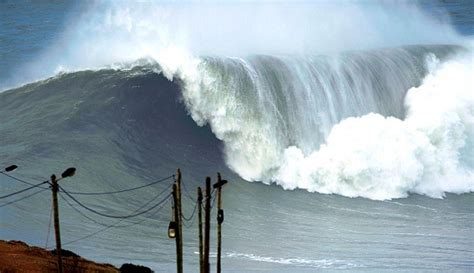pictures   day nazare challenged human fear