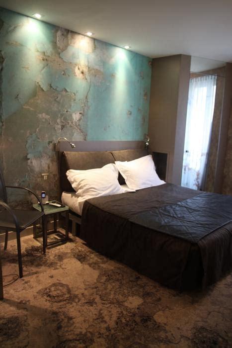 chambre adulte taupe déco chambre taupe et bleu exemples d 39 aménagements