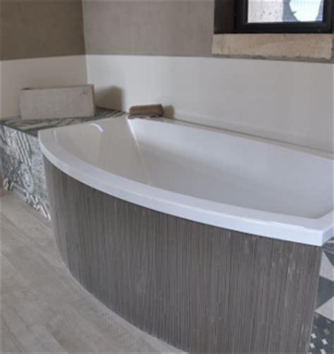 vaste choix de baignoires chez nivault 224 caen